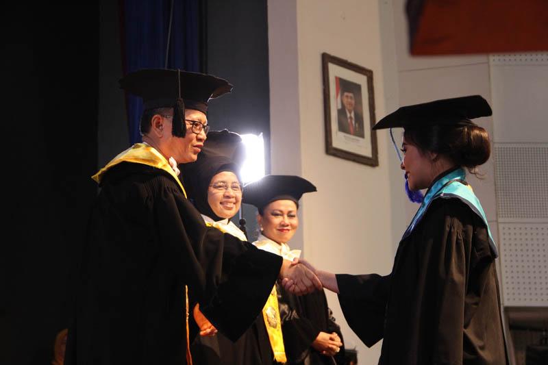 "STMM ""MMTC"" Yogyakarta Wisuda 293 Lulusan Program Strata 1 dan Diploma IV"