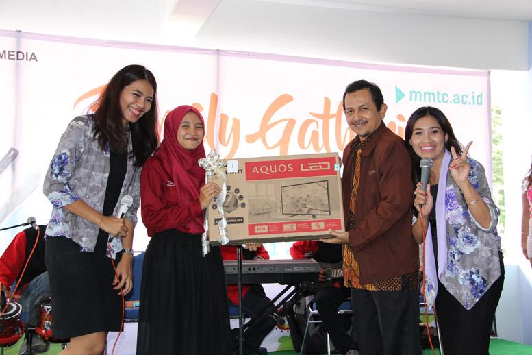 """Meriah, Family Gathering dan Lomba Hias Tumpeng Sivitas Akademika STMM """"MMTC"""""""
