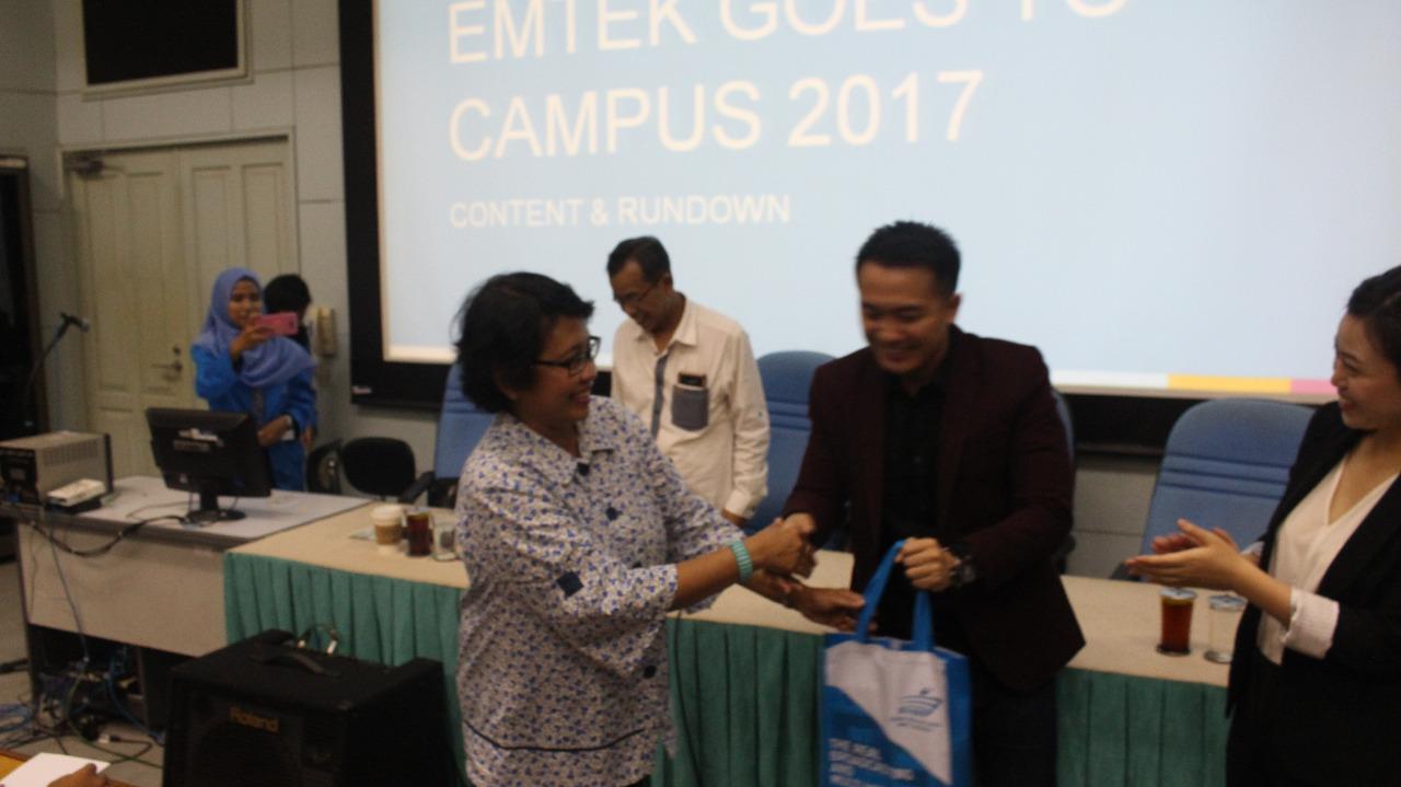 Jurnalis, Jangan Pernah Puas Dengan Kemampuan Yang Telah Dimiliki  –  Sharing Moment Bersama Jemmy Darusman (Indosiar)  dan Beverly Gunawan (SCTV)