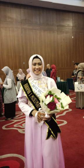 Arum Safitri (Prodi Manajemen Produksi Pemberitaan)  Raih Juara Harapan 1 Muslimah Model 2019