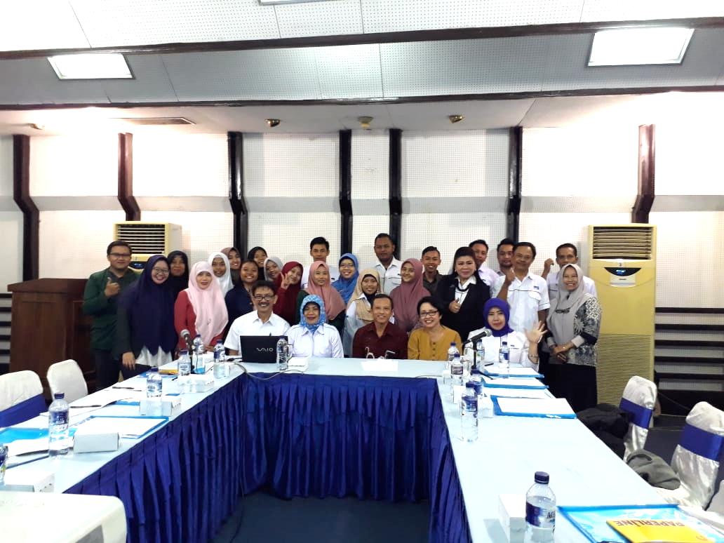 Pengabdian Masyarakat Dosen Prodi Manajemen Produksi Pemberitaan di Surabaya
