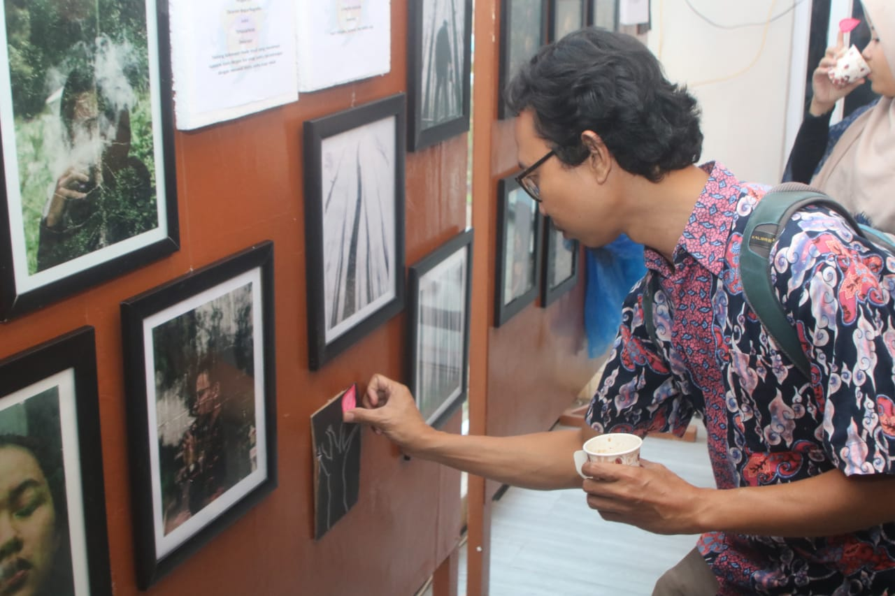 -Pameran Folkastic FOM STMM  Eksplorasi Folk Photography dalam Keindahan Indonesia