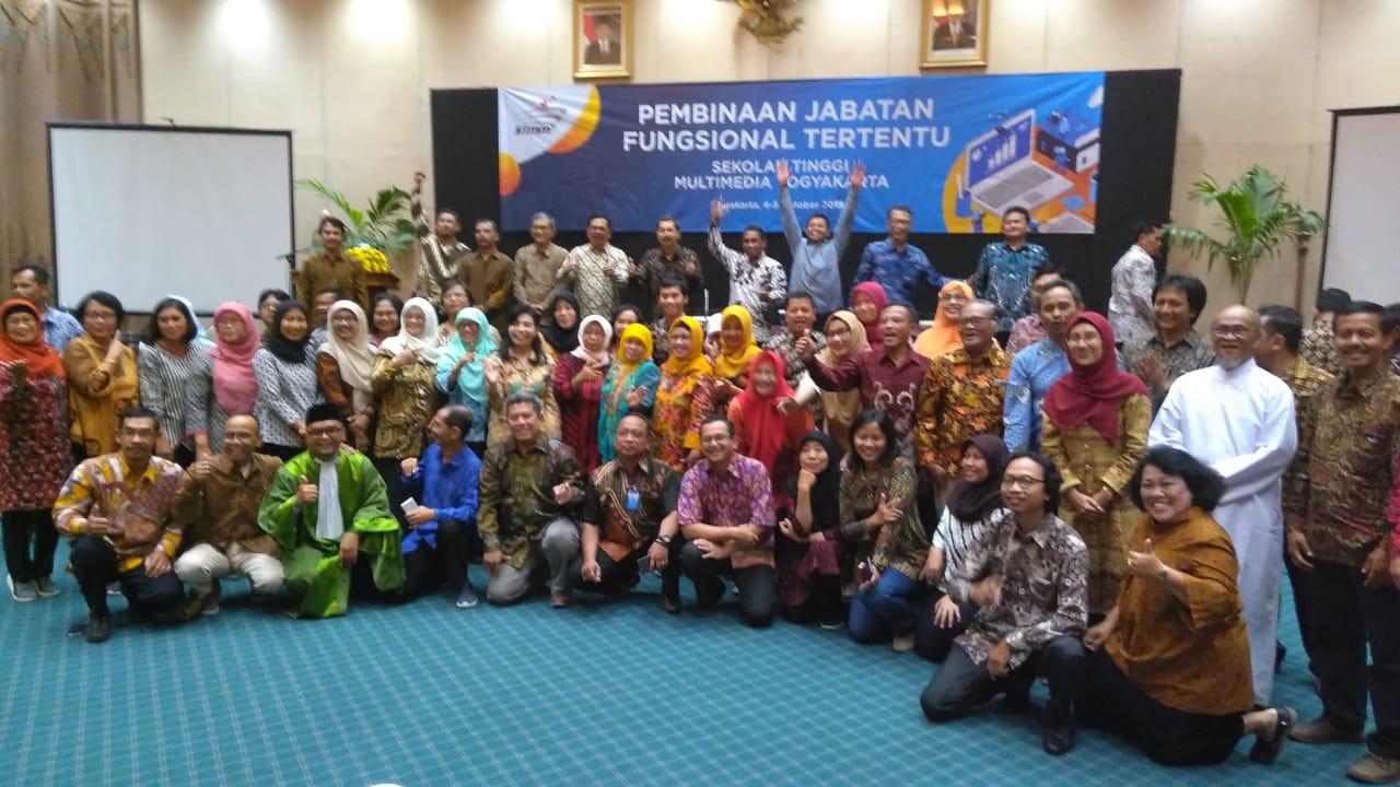 Pengambilan Sumpah Jabatan Fungsional Tertentu  Sekolah Tinggi Multi Media Yogyakarta
