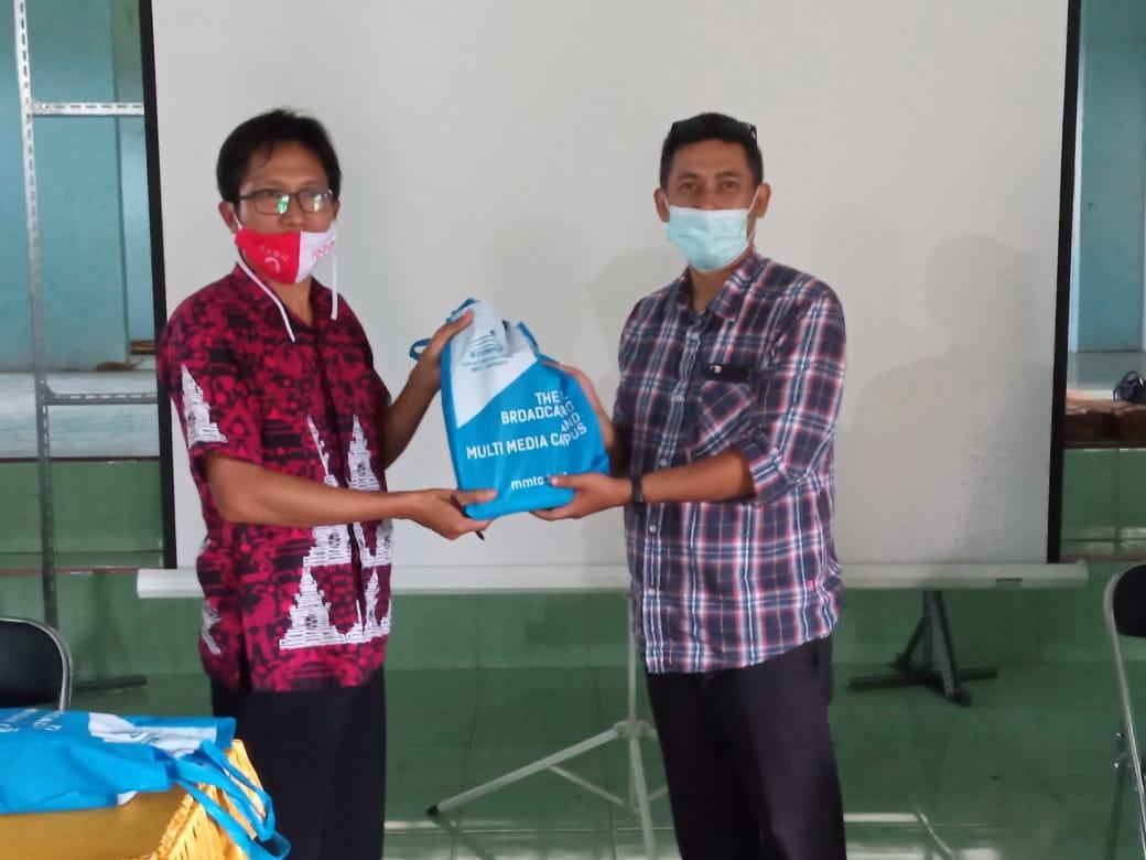 PkM : Prodi Teknologi Permainan Ajak Masyarakat Desa Semowo, Pabelan, Kab. Semarang Angkat Potensi Desa Melalui Pemanfaatan Platform Digital