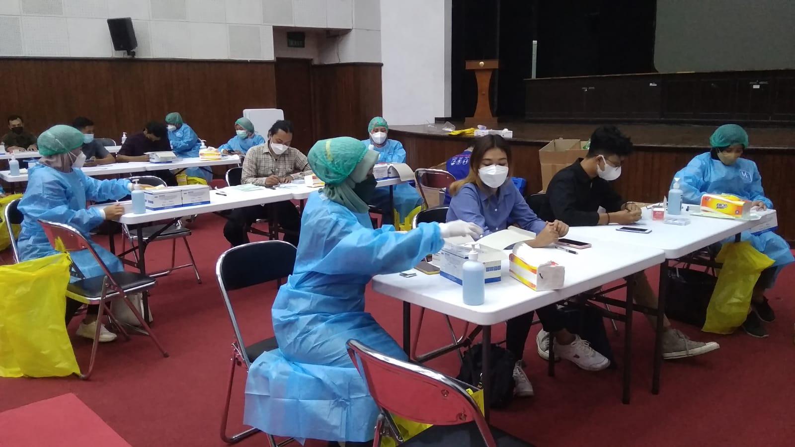 Vaksinasi Indonesia Bangkit di Kampus STMM Yogyakarta